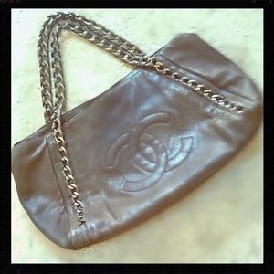 CHANEL Beautiful Chain Hobo bag